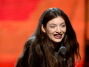 Pop solo performance: 'Royals' – Lorde