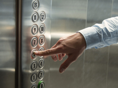 10 things to never do in a lift