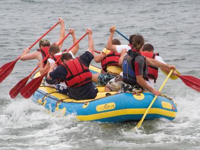 Registration open for charity raft race at Al Bander Hotel & Resort