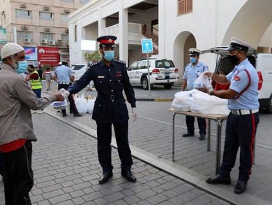 Bahrain governorates hand out 16,000 Ramadan meals