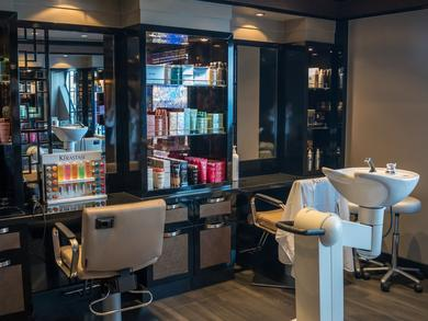 Salons and barber shops in Bahrain to reopen